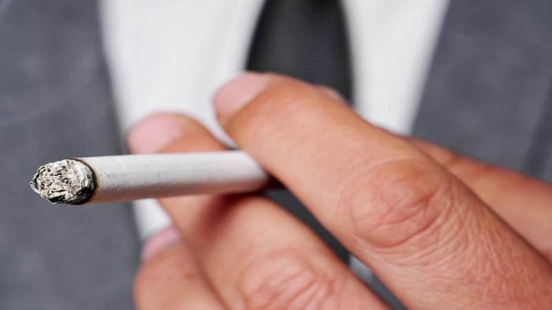 """Fumar """"apenas um"""" cigarro por dia representa risco"""