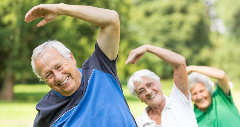 Para idosos, até o exercício mais leve ajuda na saúde.