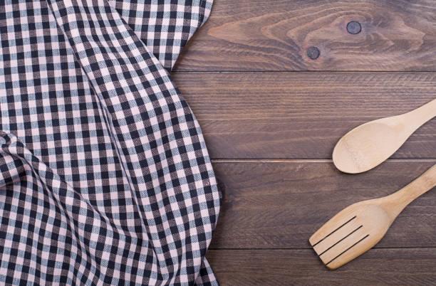 Toalhas de cozinha podem estar repletas de bactérias