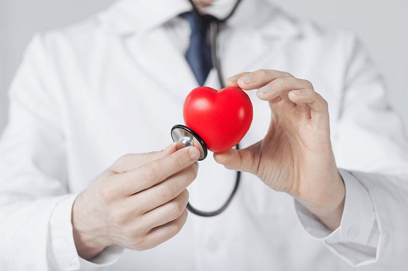 Como a pressão arterial elevada pode prejudicar a sua saúde