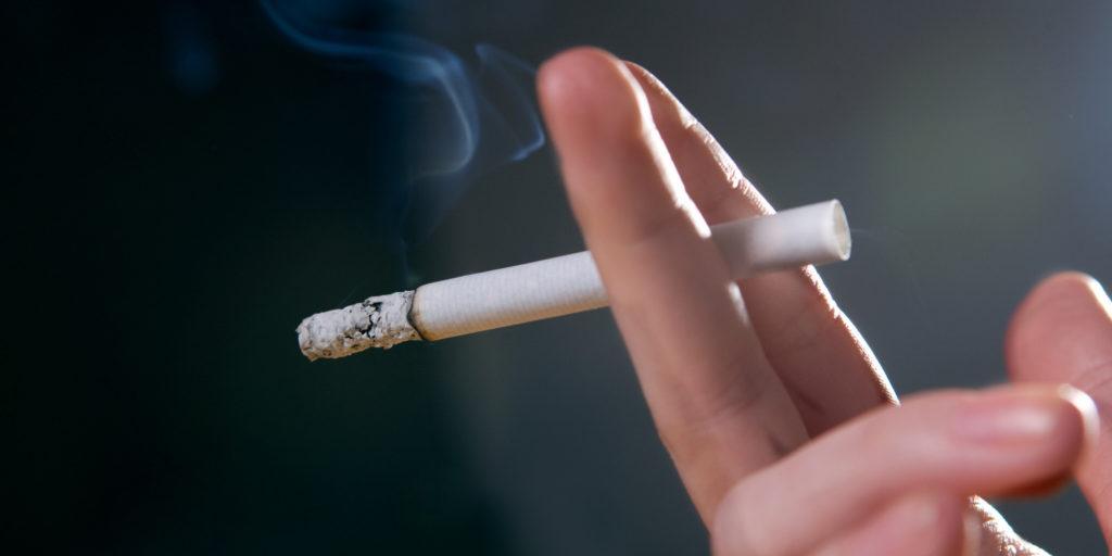 USPSTF nos EUA  recomenda intervenções para prevenir o tabagismo e uso de vaporizadores, por jovens.