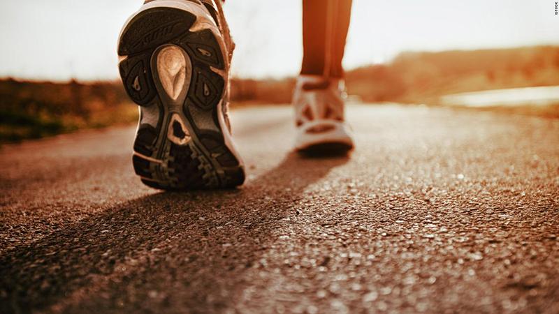 Você realmente precisa caminhar 10.000 passos por dia?
